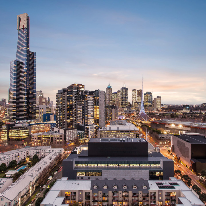 City View Looking Apartment at Southbank