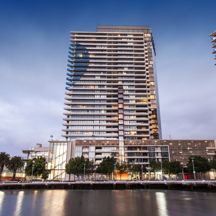 Modern apartment at Docklands